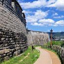 Seoul City Wall  + Yundongju Museum & Inwangsan's picture
