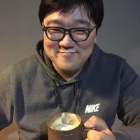 Bongsoo Kim's Photo