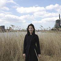 Raphaela Han's Photo