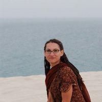 Julia Devi  Mac's Photo