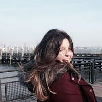 Sthefany Mateus's Photo