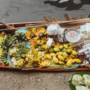 Exploring Bangkok's Most Famous Floating Market's picture