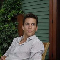 Zach Hall的照片