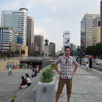 Ari 's Photo