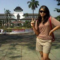 Fotos von Isnania Anggraini Putri