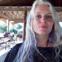 Nydia Manos's Photo