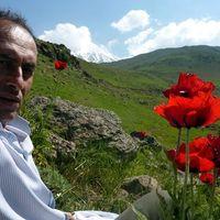 Ahmad Yazdanpanah's Photo