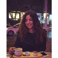 Selin Sarısu's Photo