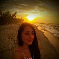 Vivian Acuña的照片