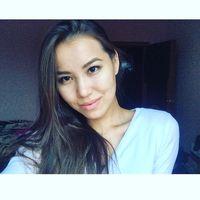 Liza Mamaeva's Photo