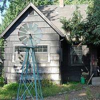 Krooked House's Photo