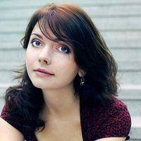 Alesya Ostrovskaya's Photo