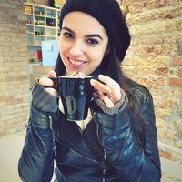 Bia Nunes's Photo
