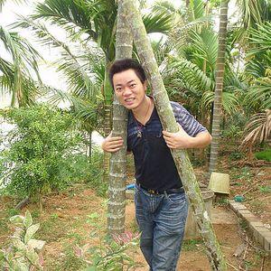 Owen He's Photo
