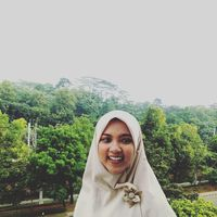 Fotos von Latifa Ayu Lestari