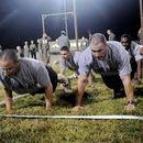 Foto de military style workout