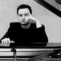 Alexander Tzavellas's Photo