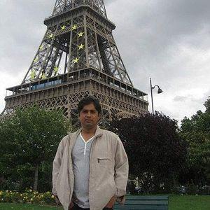 lahoreguy's Photo