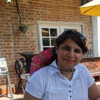 Lili Bakh's Photo
