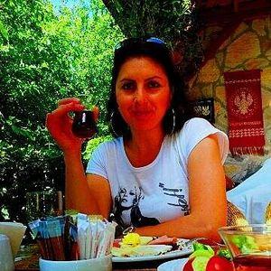 hülya Akyıldız's Photo