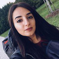 Yasemen İlayda Akçay's Photo