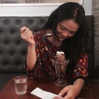 Putri Sinaga's Photo