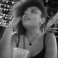 Luana Luizy's Photo