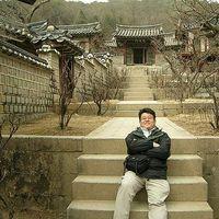 Jong Kim's Photo