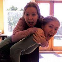 Emma and Naomi Wells's Photo