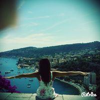 Yas L's Photo