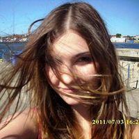 Laura Klonowska's Photo
