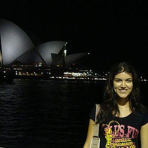 Livia Guimarães's Photo