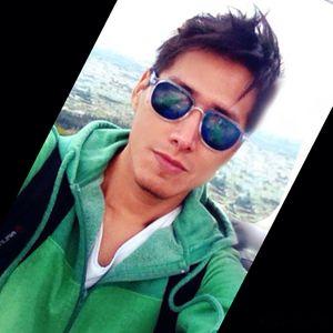 Yeri_Vargas's Photo
