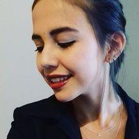 Vitória Fink Omura's Photo